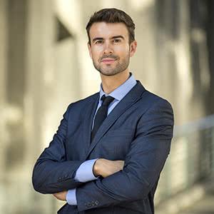 Firmenrechtsschutzversicherung - zufriedener Geschäftsführer