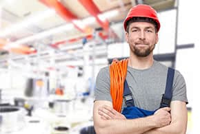 Betriebsversicherung - zufriedener Handwerker