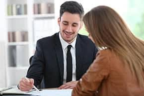 Praxisausfallversicherung - Beratungsgespräch in Kanzlei