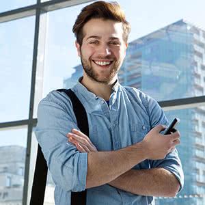 Inhaltsversicherung - zufriedener Mann