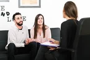 Berufshaftpflichtversicherung Lebensberater – Lebensberaterin im Gespräch