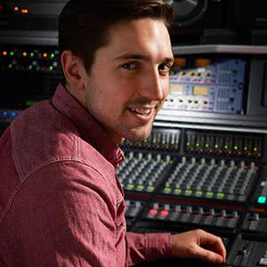 Berufshaftpflichtversicherung Musiker - Tontechniker im Studio