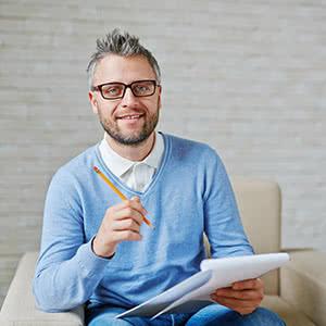 Berufshaftpflichtversicherung Psychotherapeut - Zufriedener Psychotherapeut