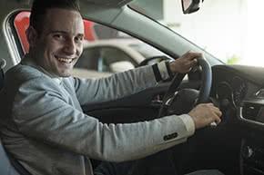 etriebshaftpflichtversicherung Fahrzeugüberführungen – Chauffeur im Autoe