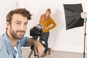 Betriebshaftpflichtversicherung Fotograf – Fotograf im Studio