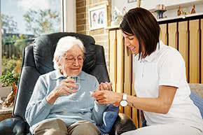Betriebshaftpflichtversicherung Pflegedienst – Betreuung zu Hause