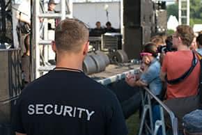 Veranstaltungshaftpflichtversicherung - Sicherheitspersonal beim Konzert
