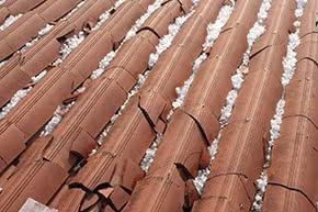 Wohngebäudeversicherung - Dachschaden nach Hagelsturm